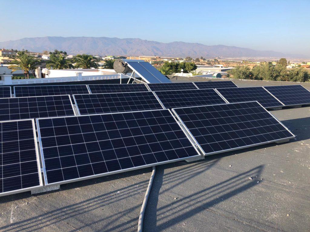 Instalación de autoconsumo fotovoltaico realizada por Cambio Energétic